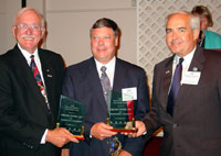 Kaskaskia College and Carlisle Syntech representatives accept ICCTA's 2006 Business/Industry Partnership Award.